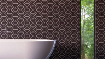 Pose de tapisserie dans la salle de bain : une bonne idée ?